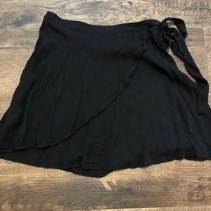 LuLus Black Skirt Size XS